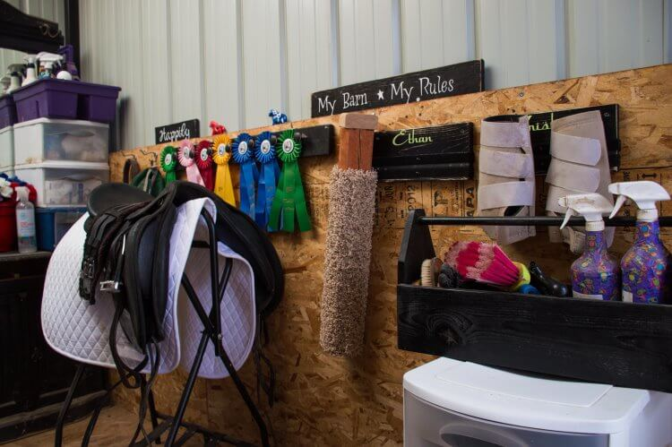 organize your tack room in 5 steps