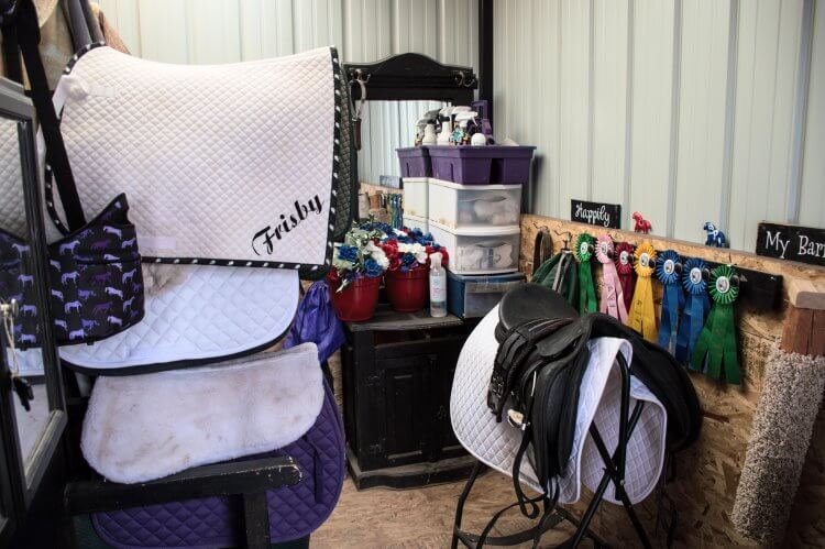 organizing your tack room in 5 steps